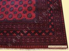 A bal oldali képen egy Herati szőnyeg 2bc077a19c